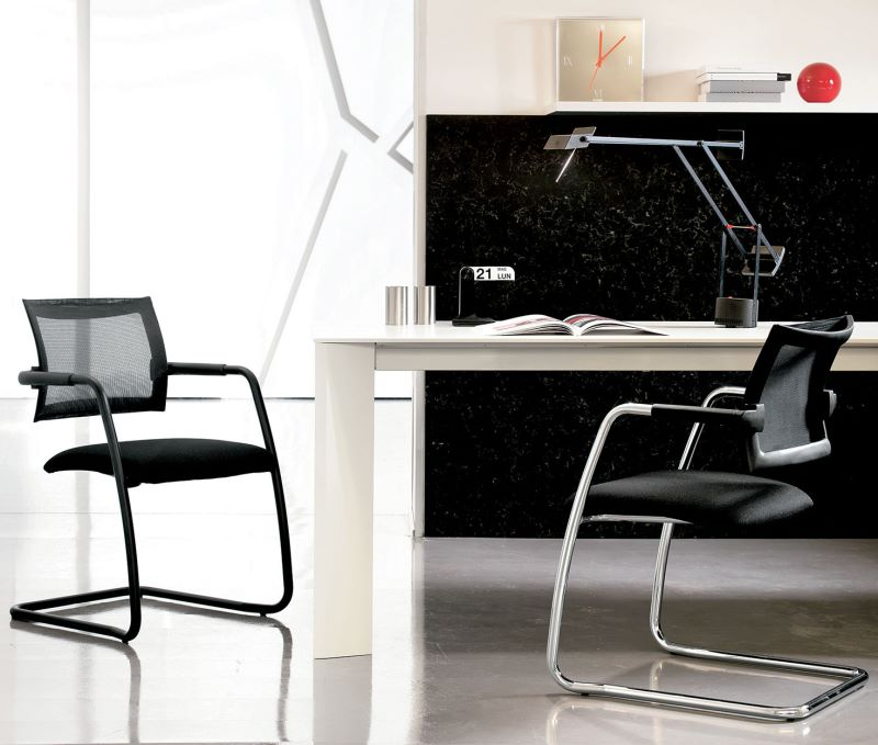 Sedia per scrivania con schienale traspirante ergonomico