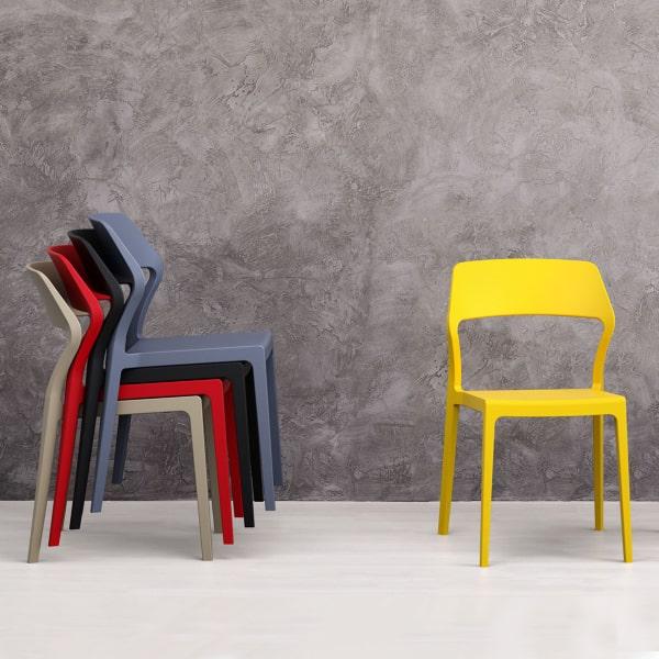 Sedie moderne in plastica colorata Lorim