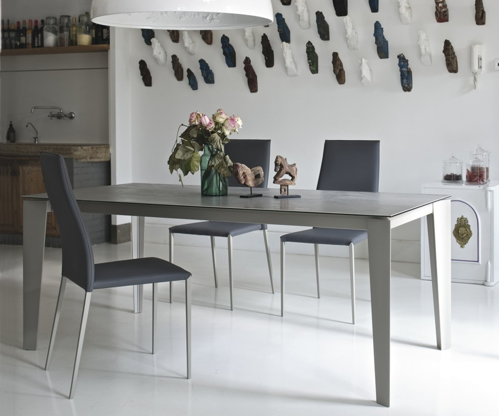Tavoli da pranzo quadrati grandi : tavoli cristallo per sala da ...