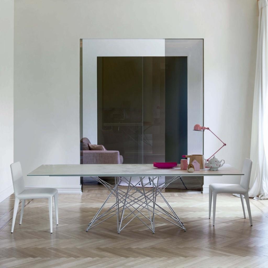 Tavolo design in vetroceramica bianca Octa di Bonaldo