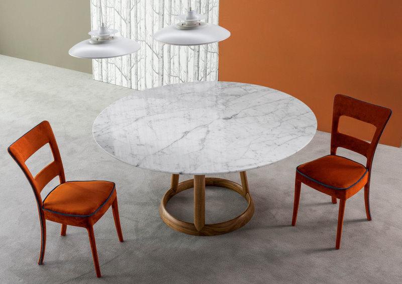 Tavolo con piano in marmo Calacatta lucido, base in noce massello americano - Greeny