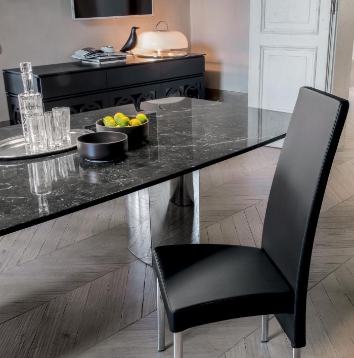 Idee tavolo da pranzo resistente e pratico 5 i tavoli for Tavoli di design outlet