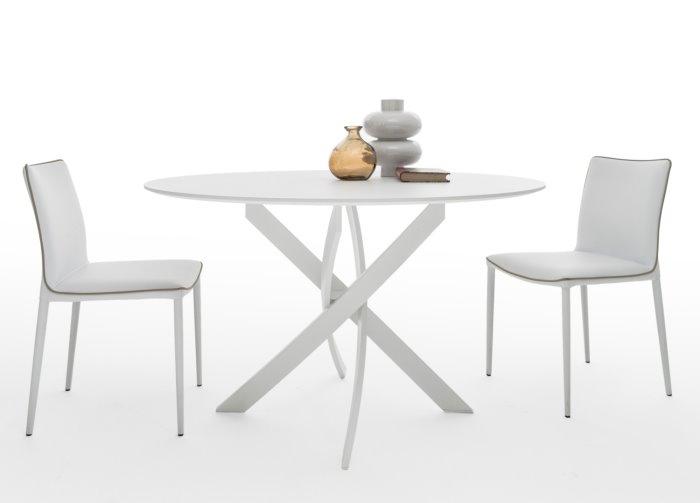 Idee tavoli con gambe incrociate 10 modelli 10 prezzi for Tavolo rotondo e sedie