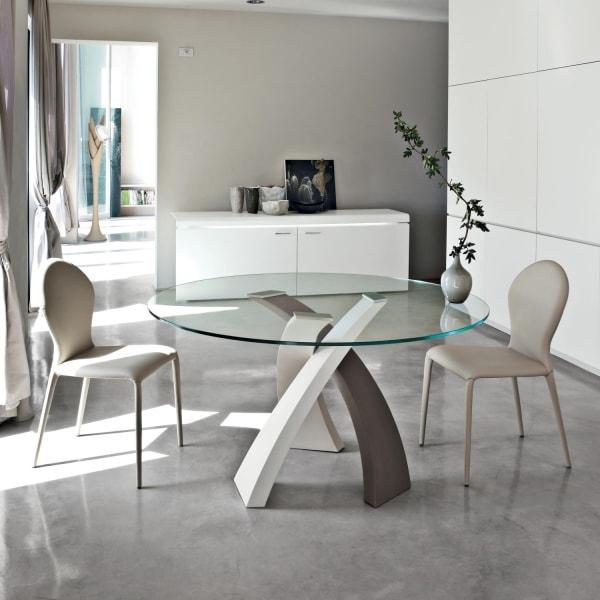 Idee tavolo rotondo 10 modelli per la sala da pranzo for La forma tavoli