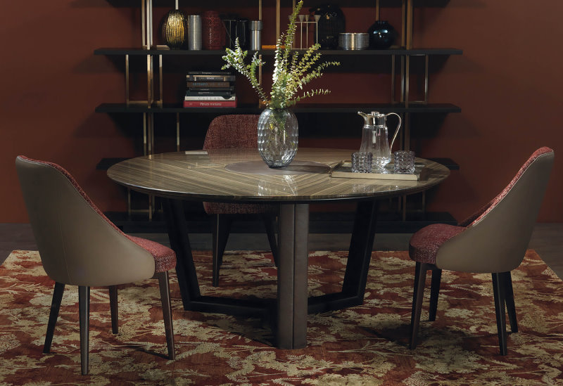 Tavolo rotondo in marmo lucido con struttura rivestita in pelle - B140