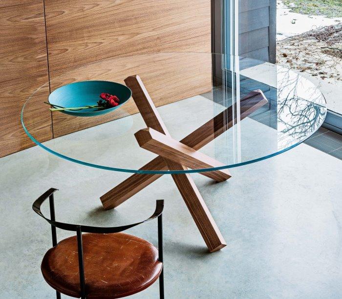 Idee tavoli con gambe incrociate 10 modelli 10 prezzi for Tavolo rotondo vetro