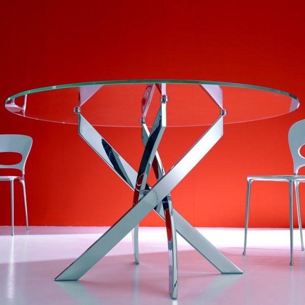 Idee tavolo rotondo 10 modelli per la sala da pranzo for Tavolo rotondo vetro