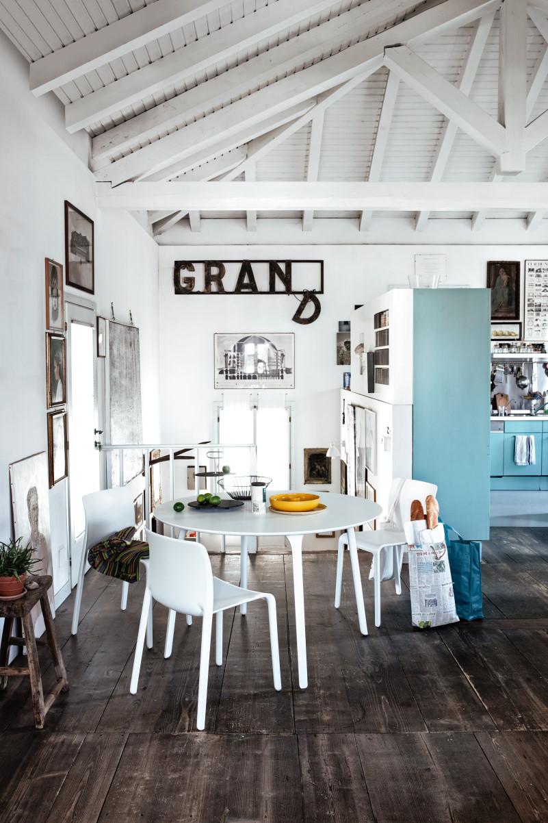 Tavolo e sedie bianche, abbinamento infallibile