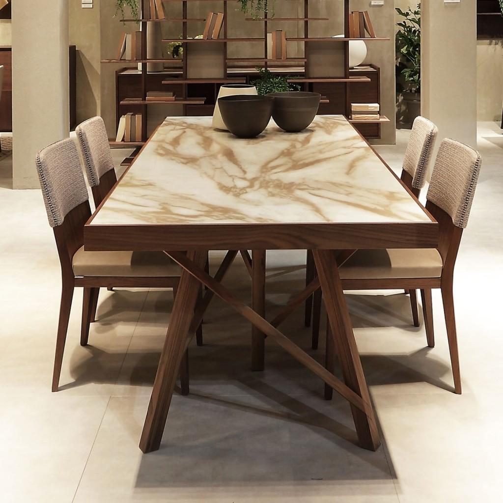 Tavolo Zeus con piano in ceramica Laminam effetto marmo