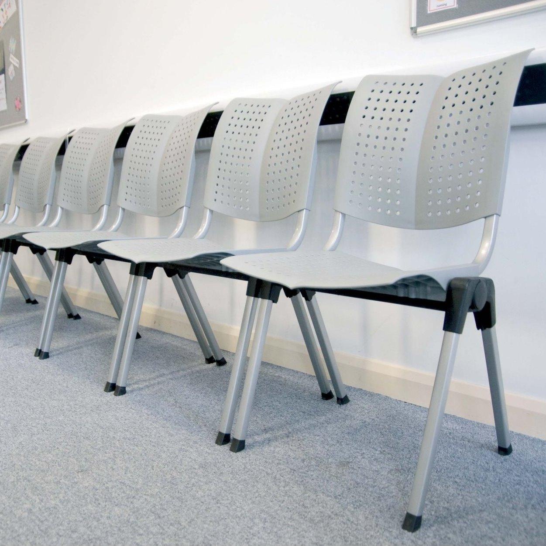 Idee sedie ergonomiche da ufficio perch e come for Sedie attesa ufficio